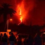 Cuatro semanas de humo, lava y devastación por volcán de La Palma