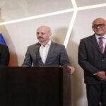 Gobierno y oposición venezolana van a cuarta ronda de diálogo en México, a un mes de las elecciones